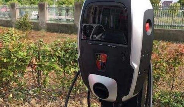 荣威充电桩使用方法教程